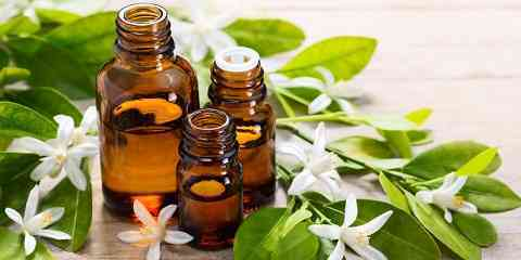 Natural Essential Oils For Treating Oily Skin